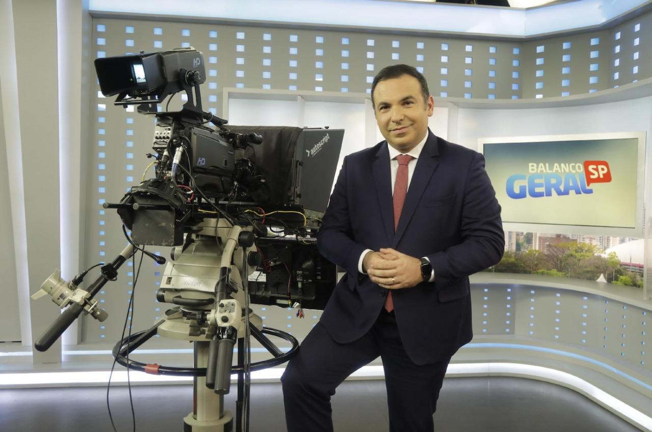 Morador de Alpha, Reinaldo Gottino anuncia retorno à Record