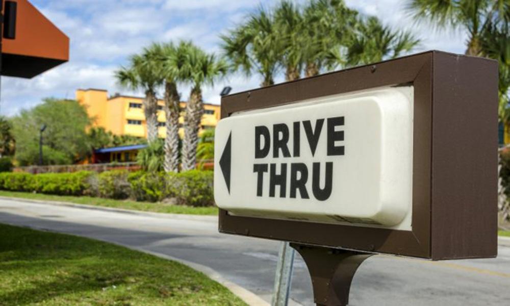 Drive Thru nos Centros de Compras de Alphaville