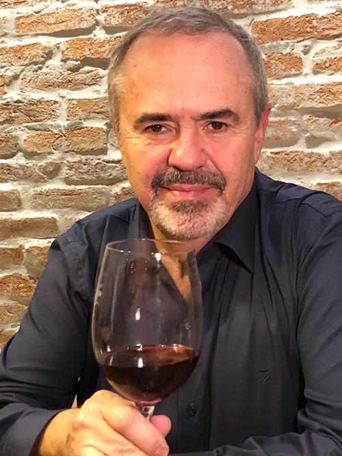 Tonel 55 traz o mundo dos vinhos para sua mesa