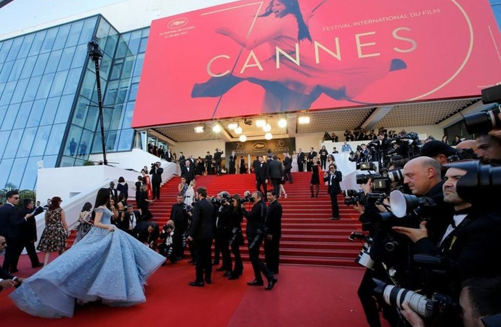 Cannes se contenta com drive-in