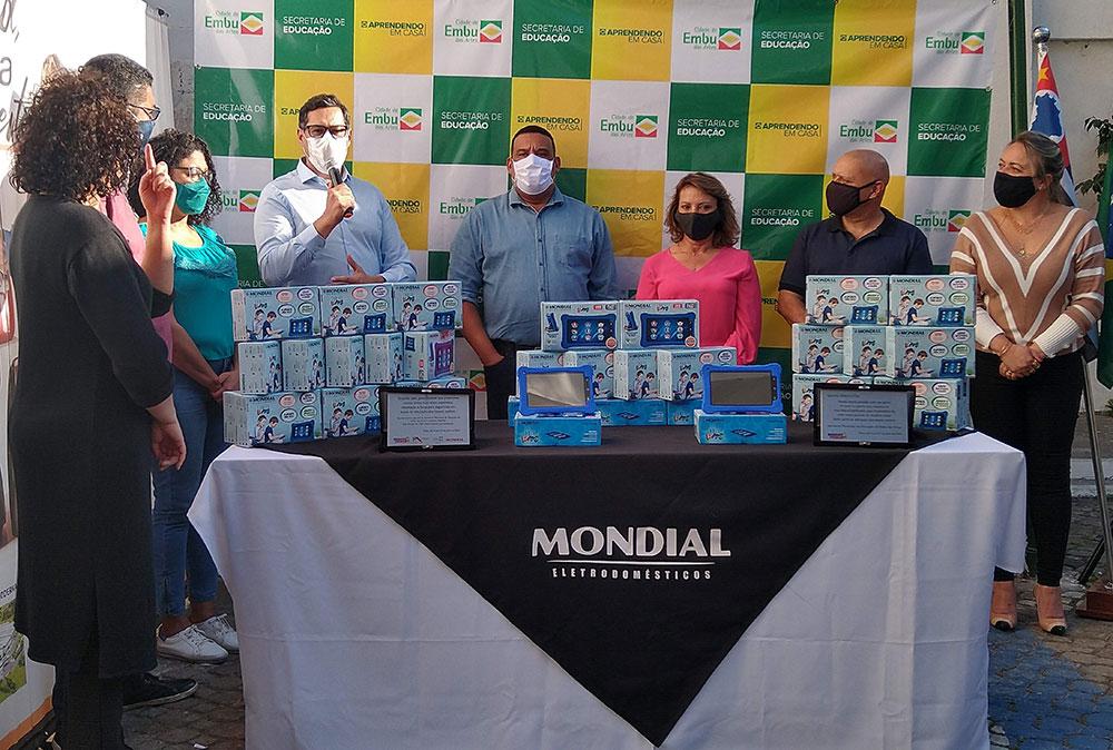 Mondial doa 1.000 tablets em campanha em prol da educação no munícipio de Embu das Artes