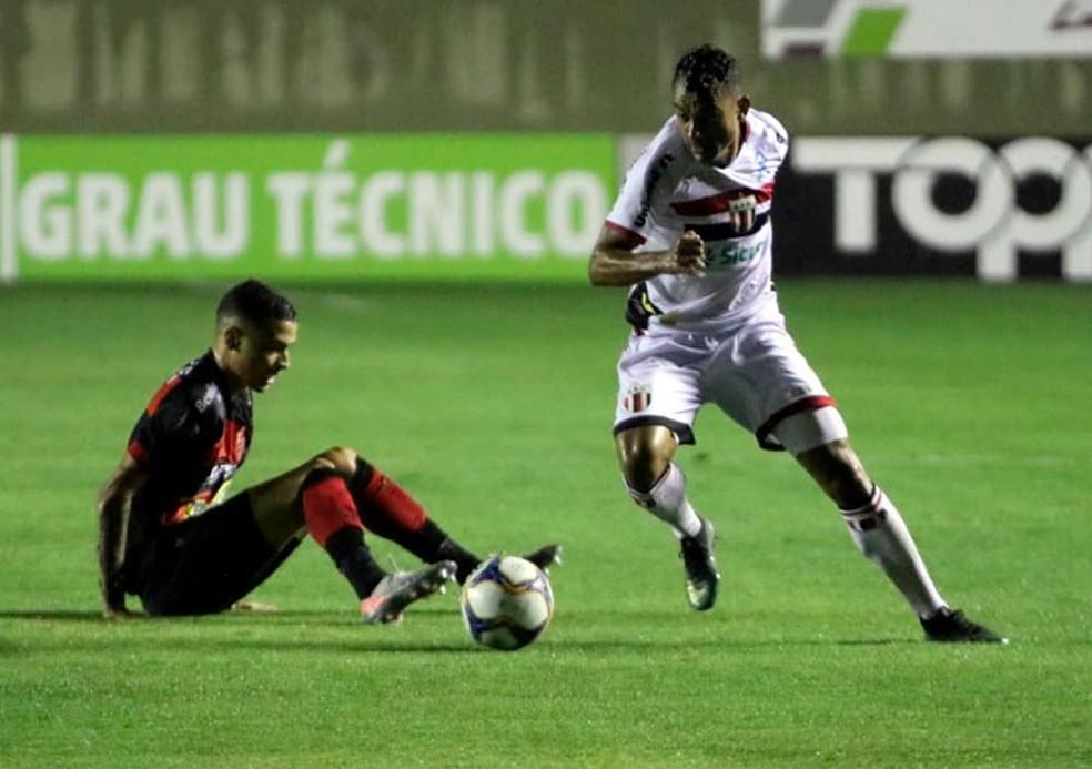 Oeste enfrenta o Botafogo-SP nessa terça na Arena Barueri