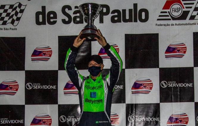Nosso vizinho Roberto Albuquerque realizou o sonho e tornou-se campeão paulista de kart
