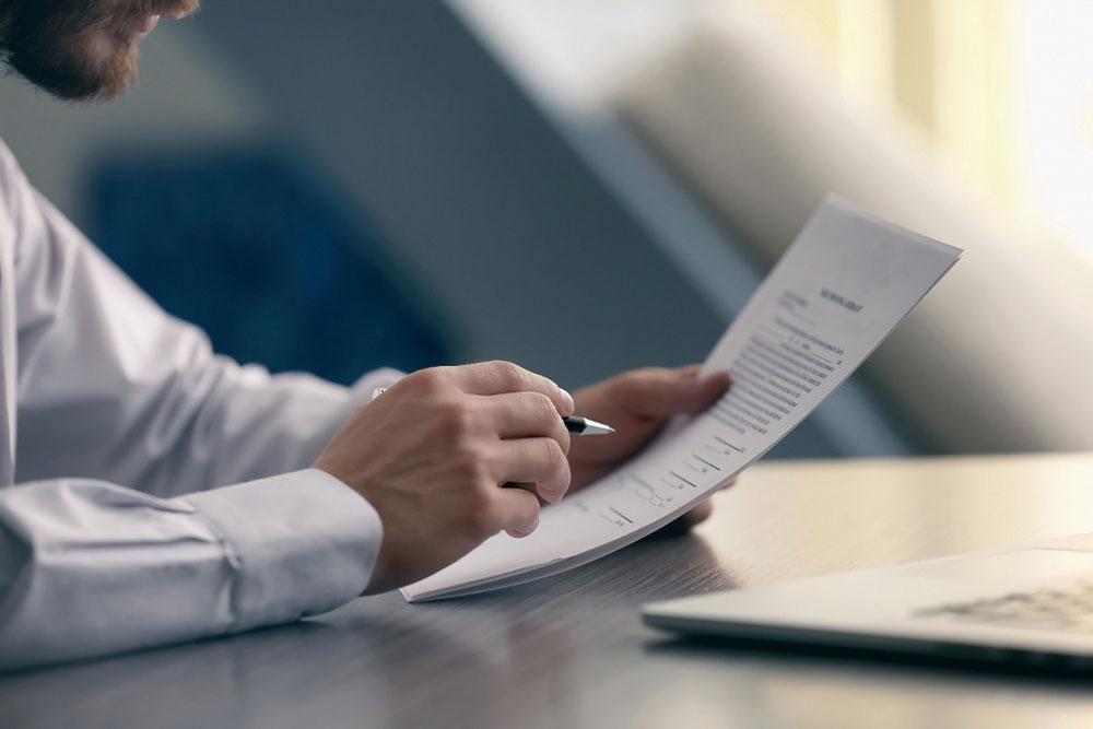 Qual é a documentação necessária para que uma construção esteja regularizada?