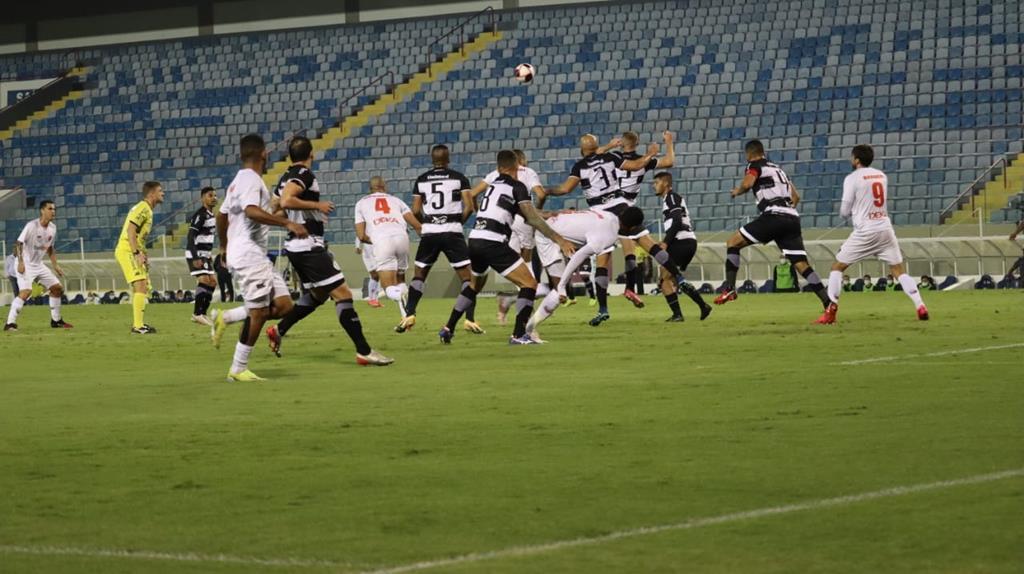 Oeste Barueri vence XV de Piracicaba e avança às semifinas