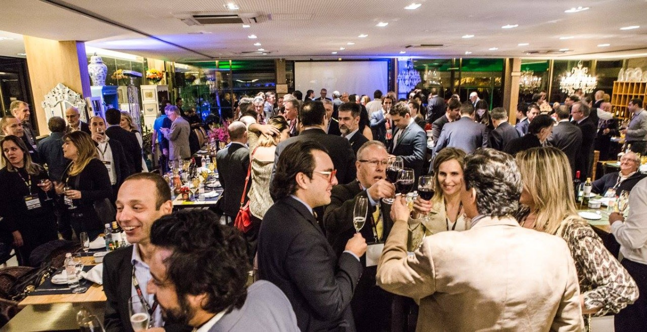 Retomada do Jantar & Negócios no Restaurante El Uruguayo