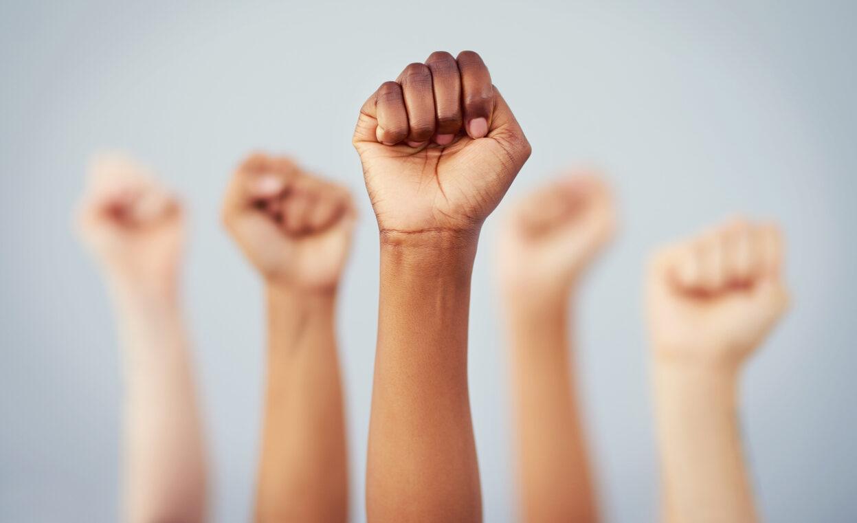 Conquistas femininas: Uma luta por direitos sociais igualitários