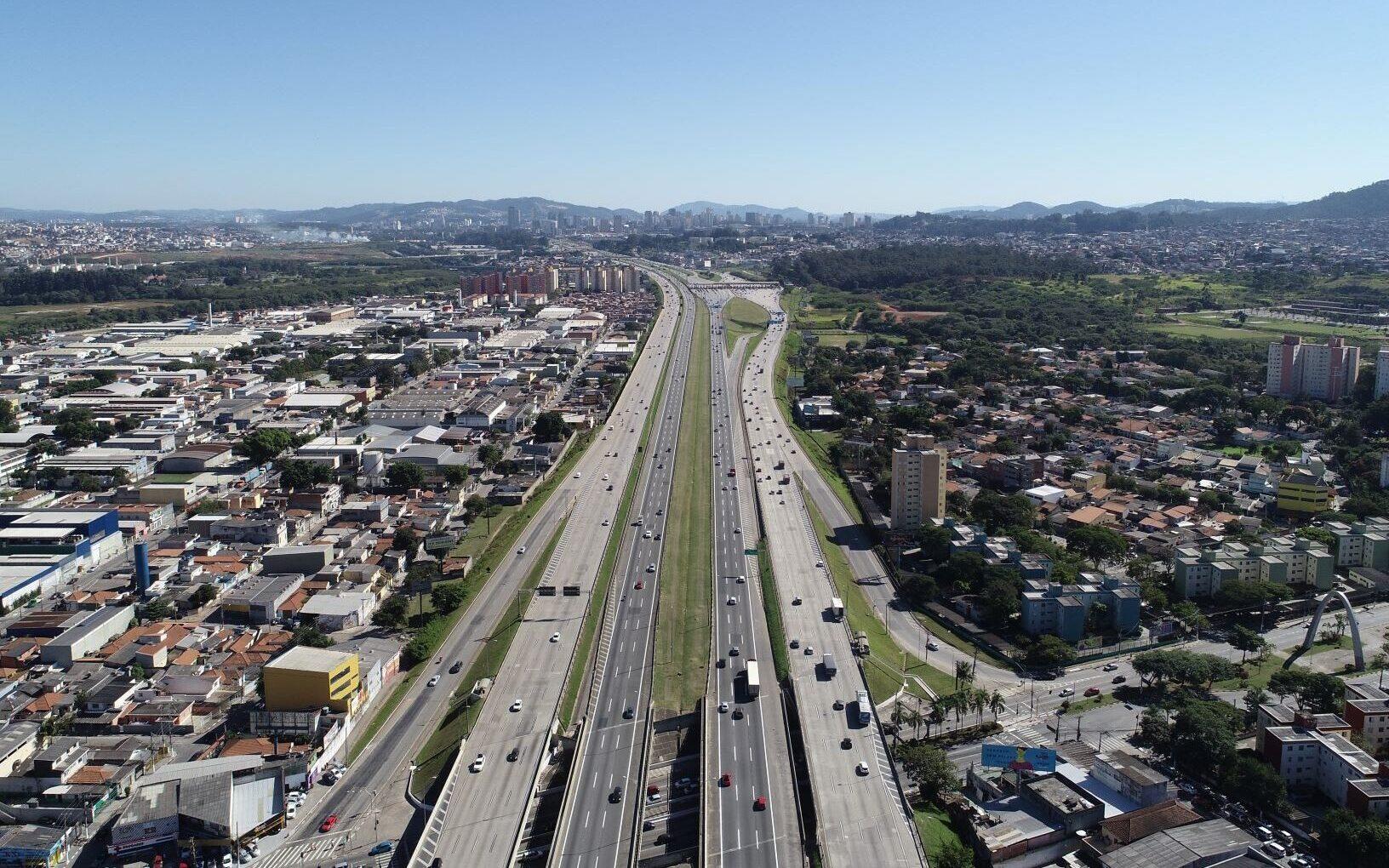CCR ViaOeste prevê fluxo de 620 mil veículos no feriado